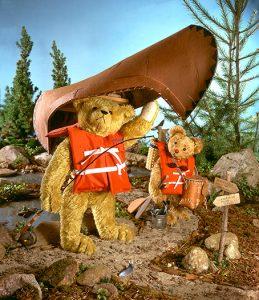 canoe-bears_1